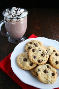 Holiday swap Cookies 🍪 and hot chocolate
