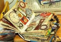 Art Journal Prompts & Inspiration